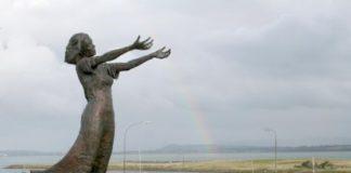 image of a statue n Rosses Point, Sligo, Ireland