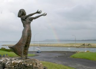 image of a statue n Rosses Point, Sligo, Ireland